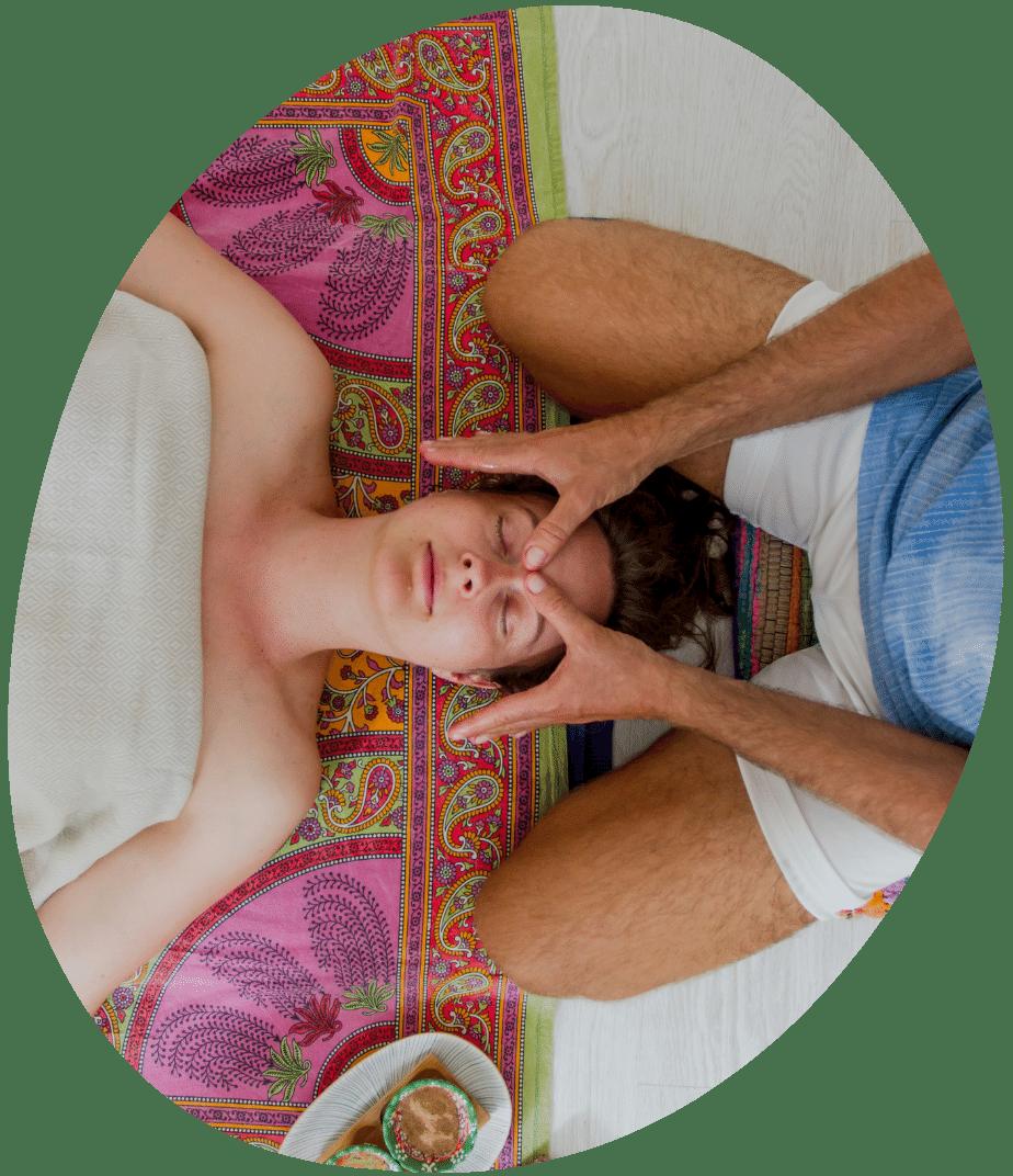 Ayurvedische Yoga Massage Therapie (nach Kusum Modak)